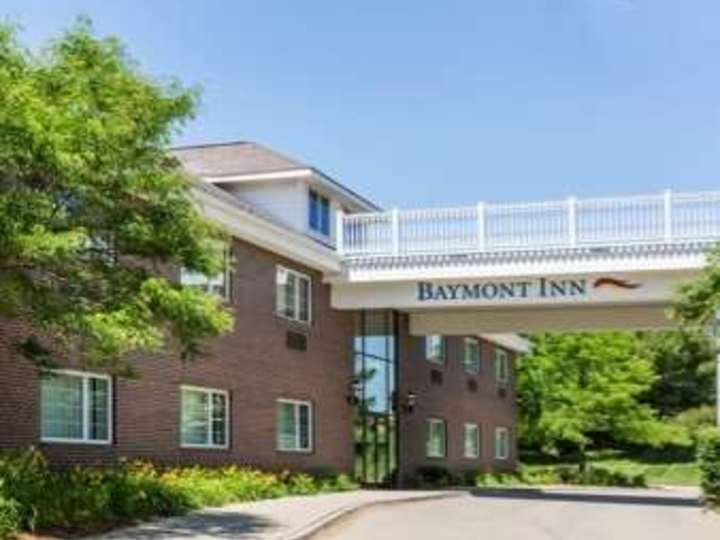 Baymont Inn and Suites Des Moines Airport
