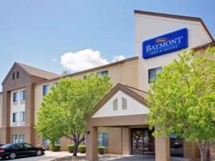 Baymont Inn and Suites Iowa City   Coralville