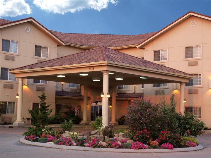 Best Western Plus Caldwell Inn and Suites