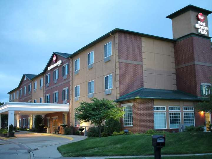 Best Western Plus Des Moines West Inn and Suites