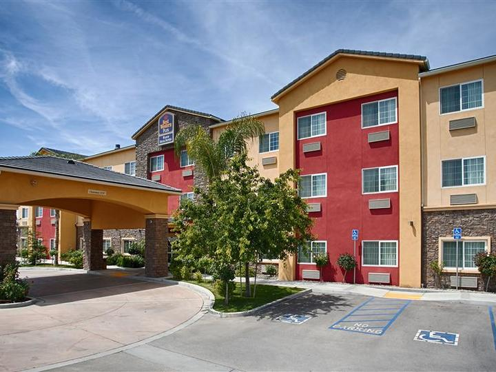 Best Western Plus Wasco Inn and Suites