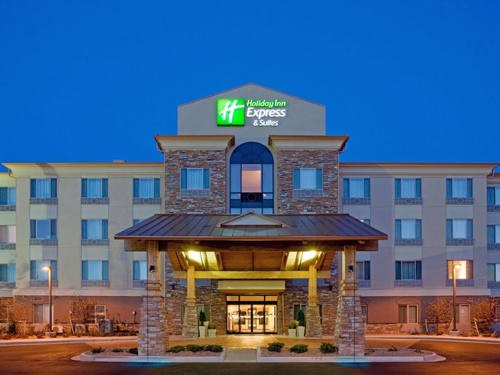 Holiday Inn Express And Suites Denver Airport