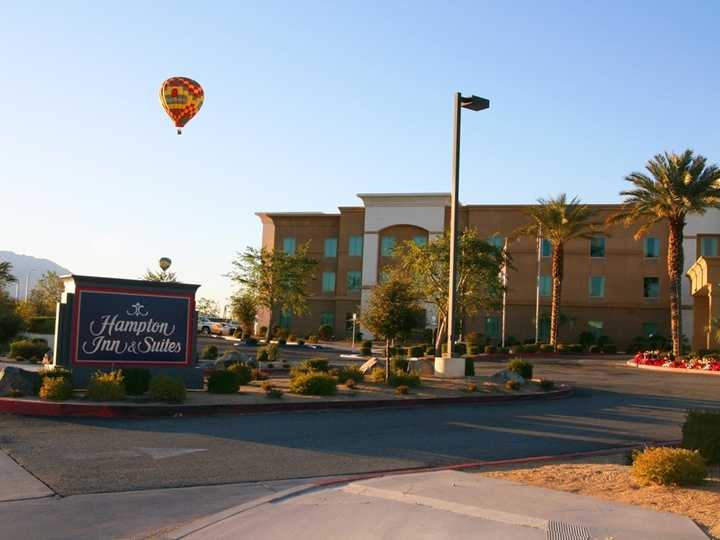 Hampton Inn   Suites Palm Desert