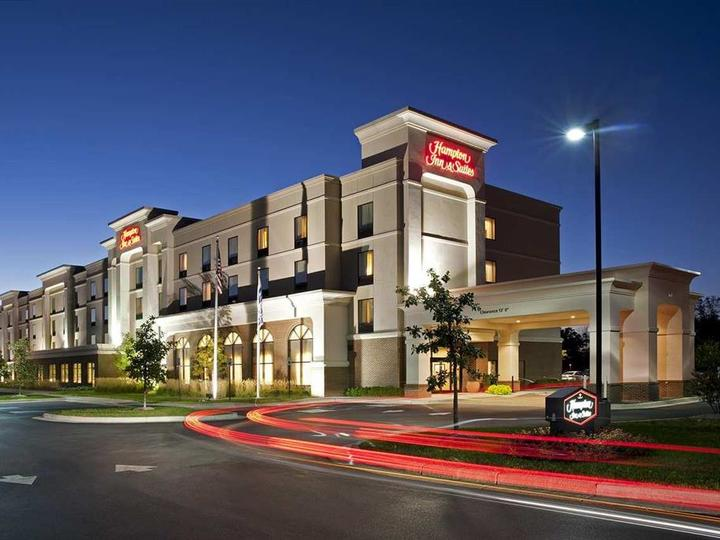 Hampton Inn   Suites Indianapolis Airport