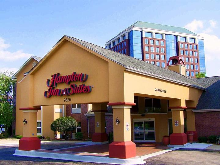 Hampton Inn   Suites Chicago Hoffman Estates