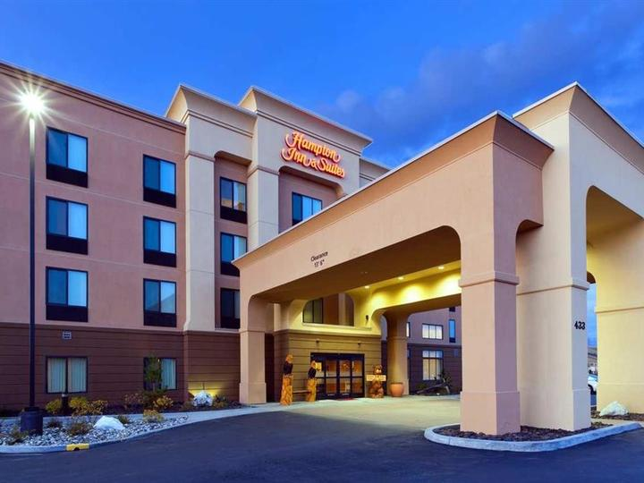 Hampton Inn   Suites Fairbanks