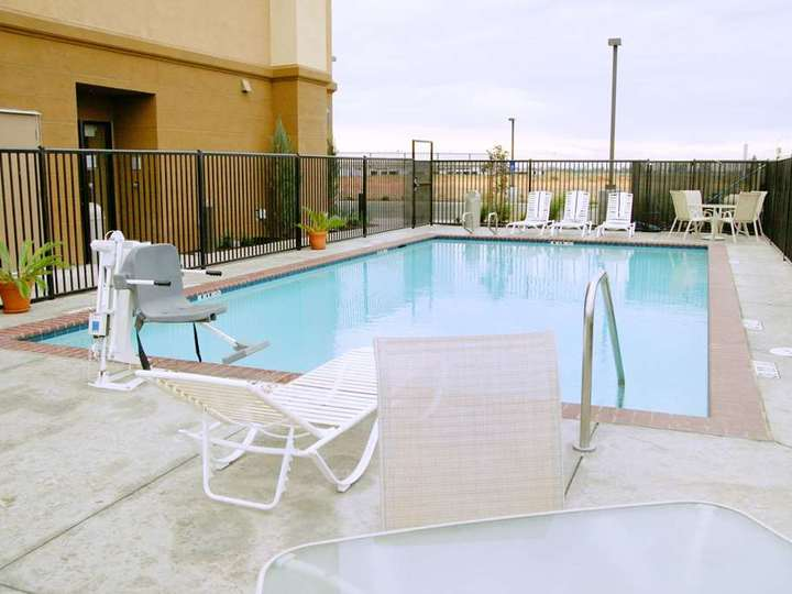 Hampton Inn   Suites Madera