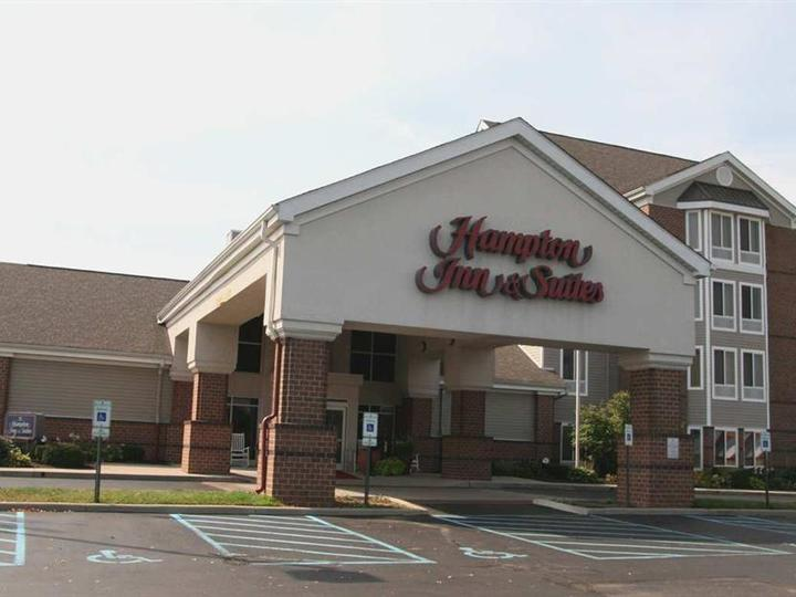 Hampton Inn   Suites Scottsburg