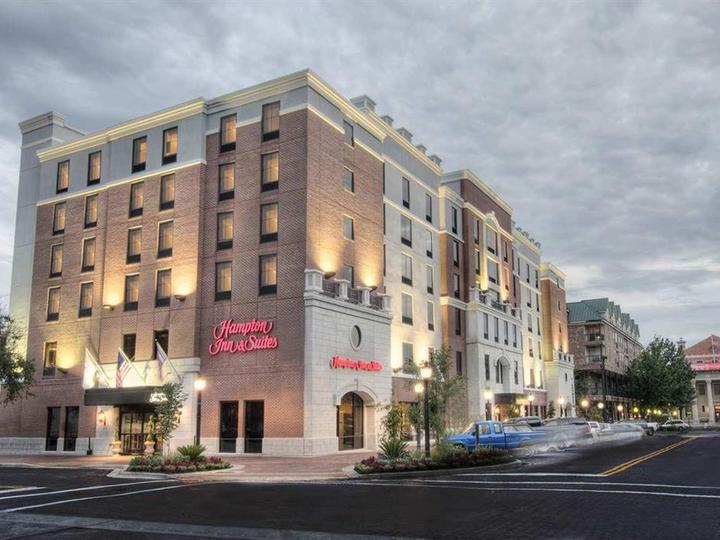 Hampton Inn   Suites Gainesville Downtown