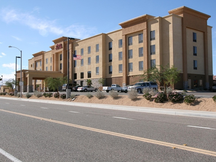 Hampton Inn   Suites Barstow