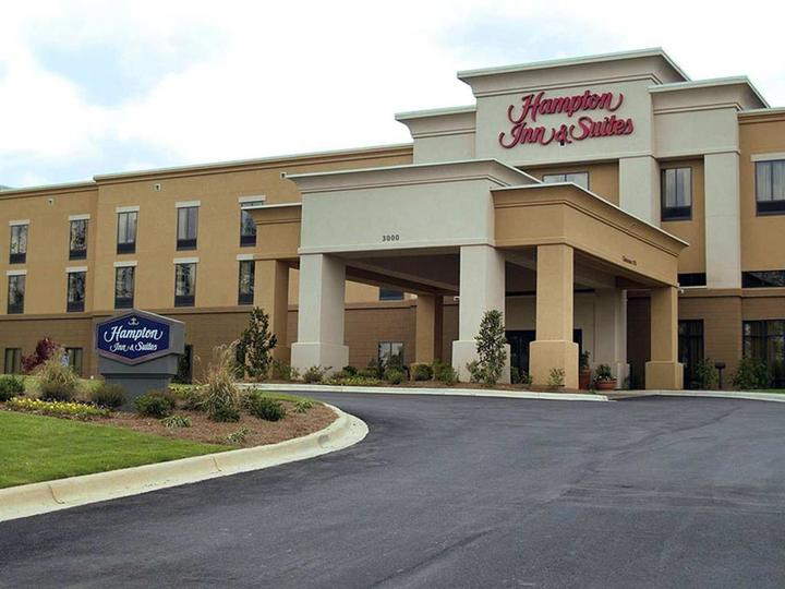 Hampton Inn   Suites Opelika   I 85   Auburn Area