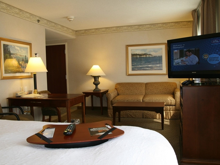 Hampton Inn   Suites Newport Middletown
