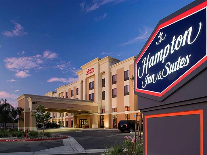 Hampton Inn   Suites Clovis Airport North CA