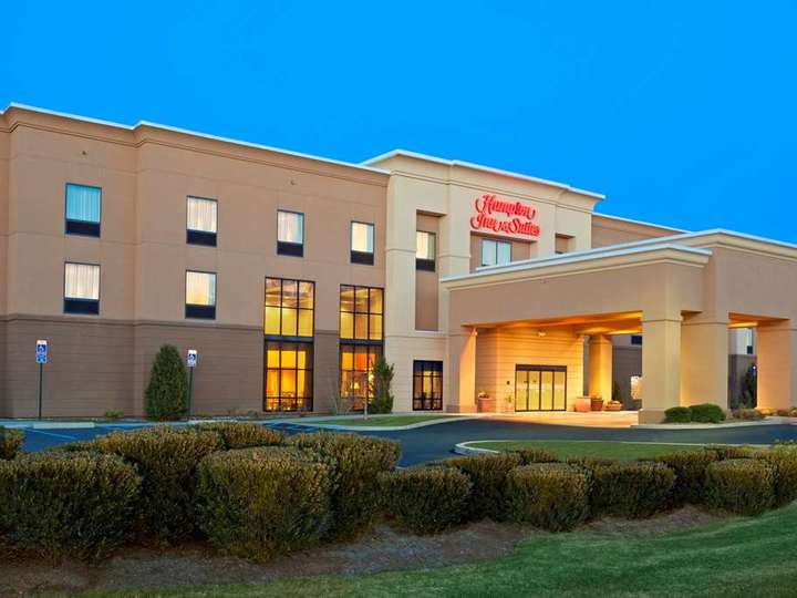 Hampton Inn   Suites Hartford Manchester CT