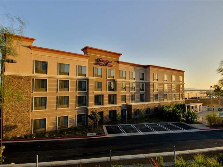Hampton Inn   Suites Moreno Valley