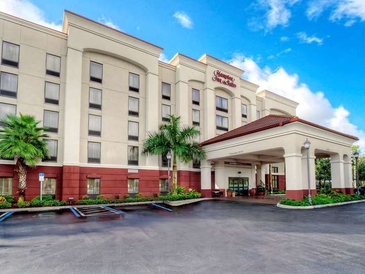 Hampton Inn   Suites Fort Myers Estero FGCU FL