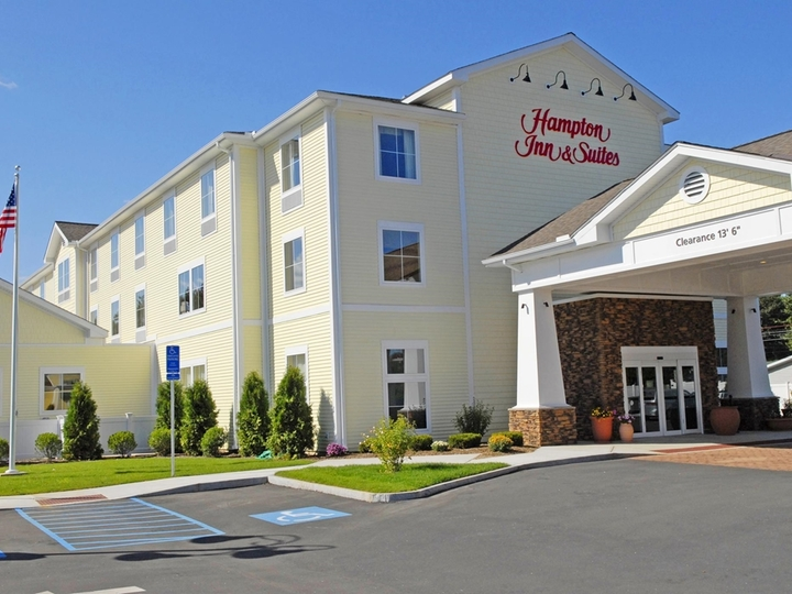 Hampton Inn   Suites Mystic