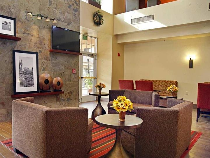 Hampton Inn   Suites Scottsdale