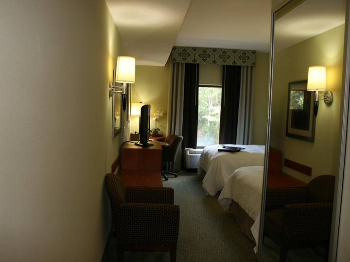 Hampton Inn   Suites Birmingham Airport Area AL