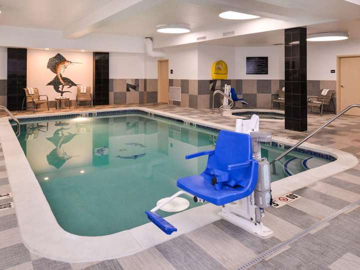 Hampton Inn   Suites Denver Speer Boulevard