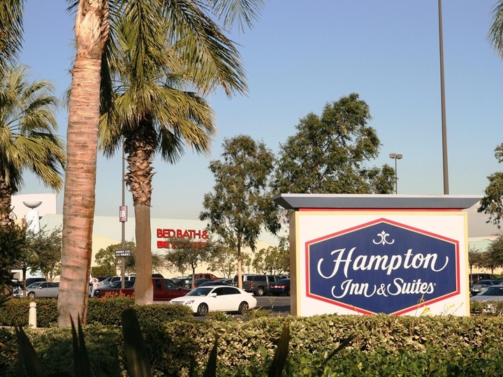 Hampton Inn   Suites Ontario
