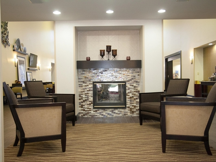 Hampton Inn   Suites Alpharetta Windward