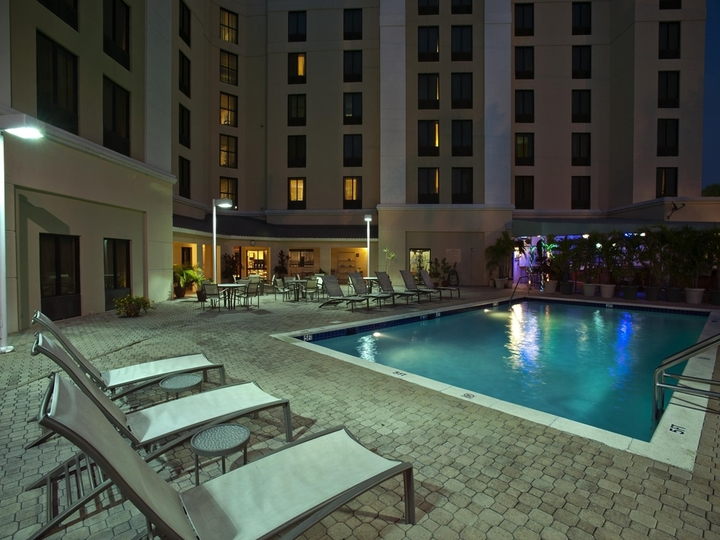 Hampton Inn   Suites Miami Doral Dolphin Mall FL