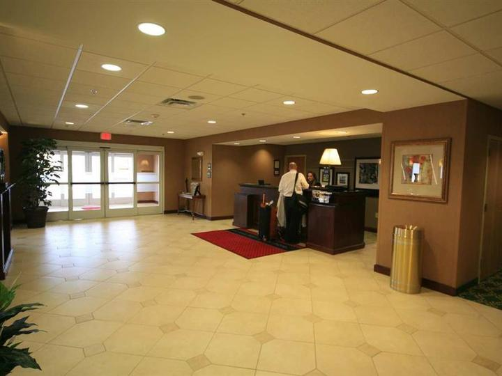 Hampton Inn   Suites Berkshires Lenox
