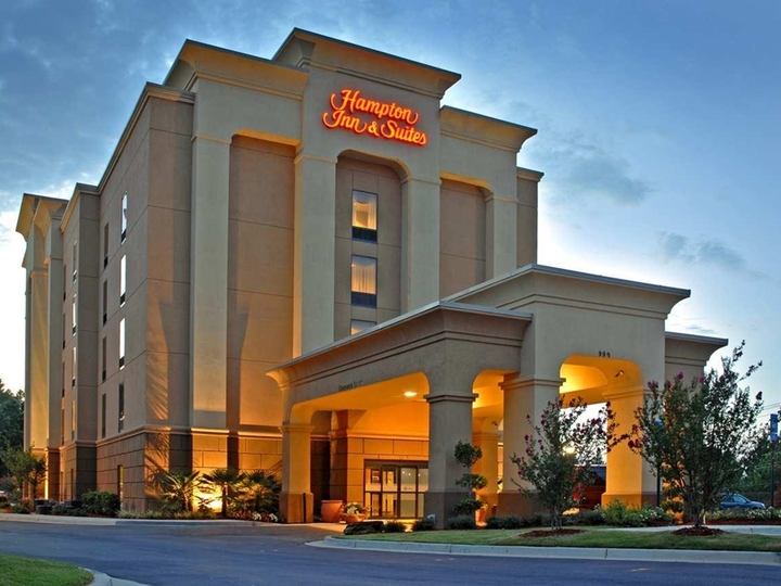 Hampton Inn   Suites ATL Six Flags