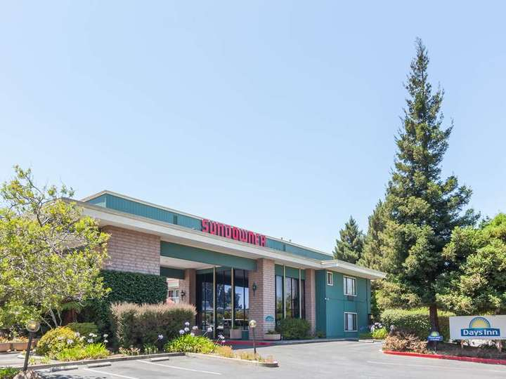 Days Inn and Suites Sunnyvale
