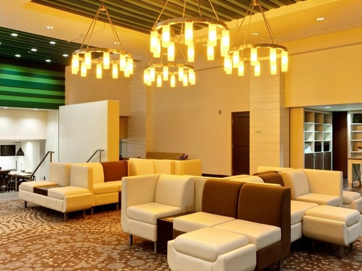 Holiday Inn Hotel and Suites Atlanta Airport North