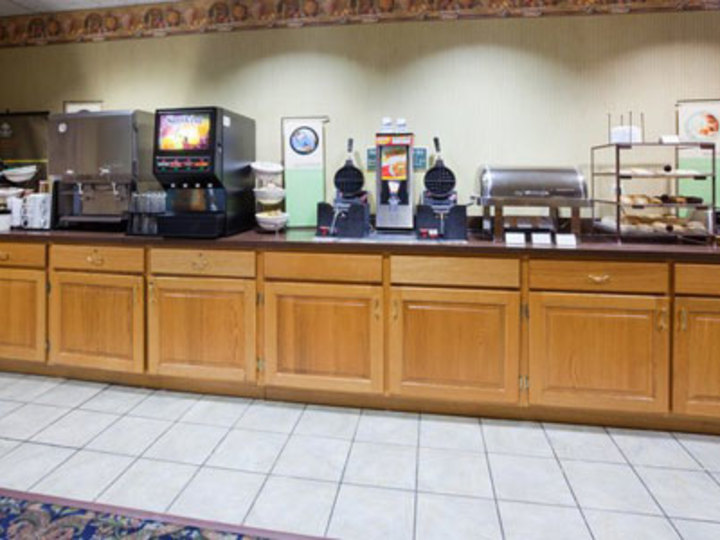 Country Inn and Suites By Carlson  Coralville  IA
