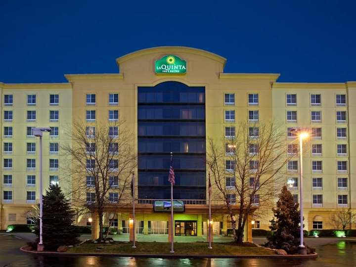 La Quinta Inn and Suites Cincinnati Sharonville
