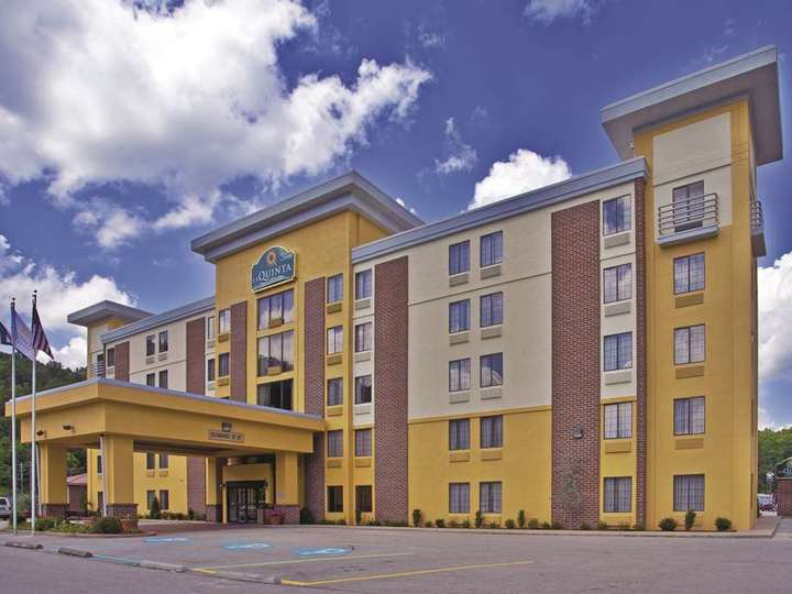 La Quinta Inn and Suites Elkview   Charleston NE