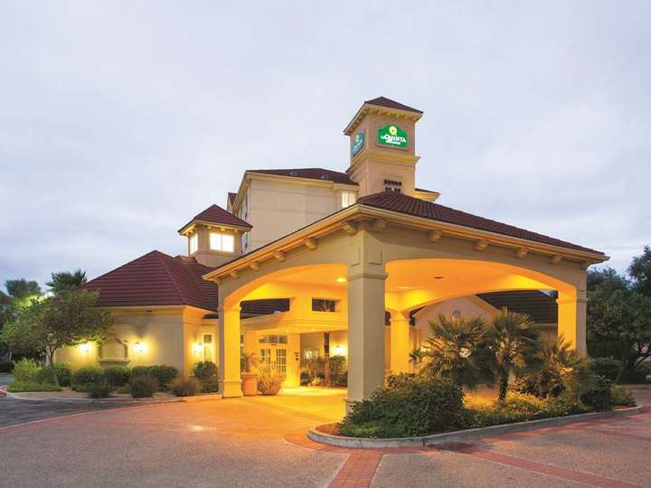 La Quinta Inn and Suites Mesa Superstition Springs