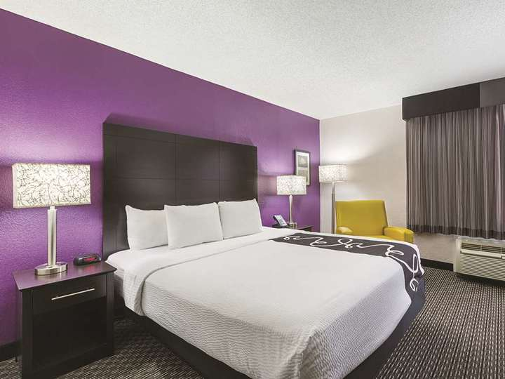 La Quinta Inn and Suites Miami Lakes