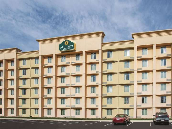La Quinta Inn and Suites Indianapolis South