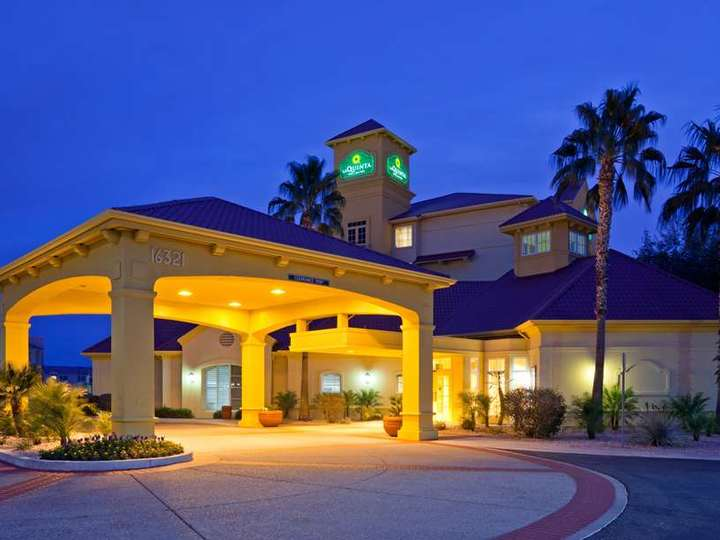 La Quinta Inn and Suites Phoenix West Peoria