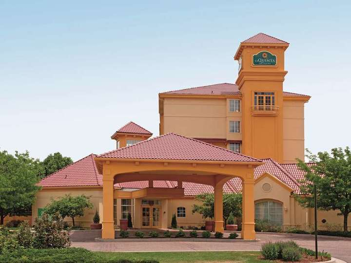 La Quinta Inn and Suites Colorado Springs South AP