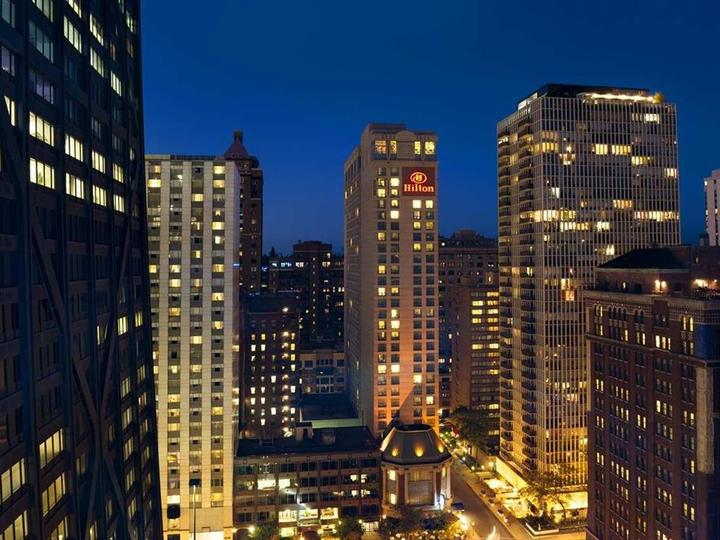 Hilton Chicago Magnificent Mile Suites
