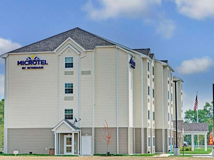 Microtel Inn and Suites by Wyndham Philadelphia Airport Ridley