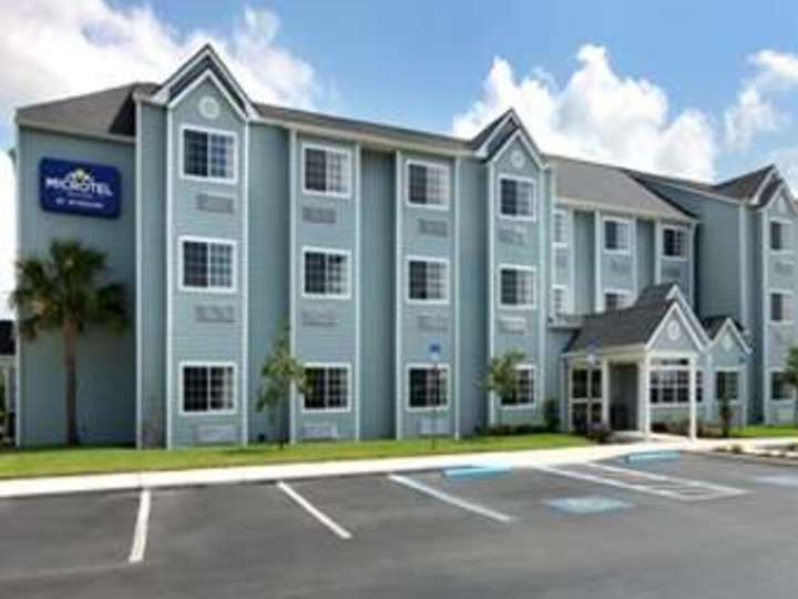 Microtel Inn and Suites by Wyndham Zephyrhills