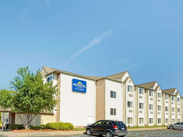 Microtel Inn and Suites by Wyndham Roseville Detroit Area