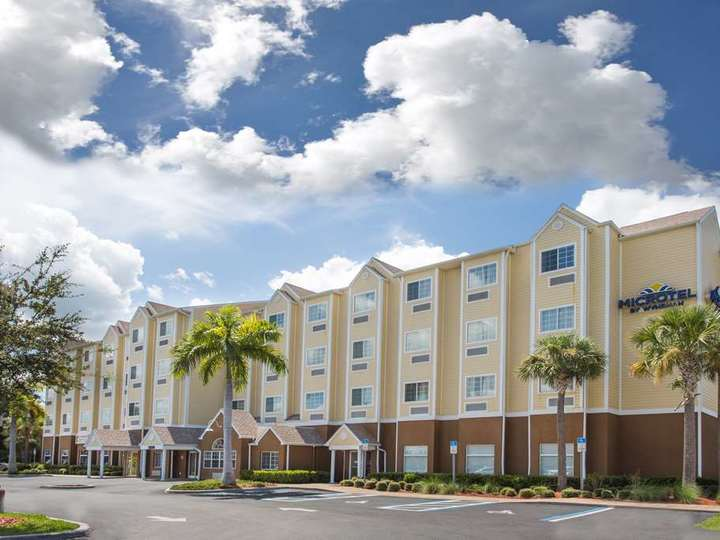 Microtel Inn and Suites by Wyndham Lehigh
