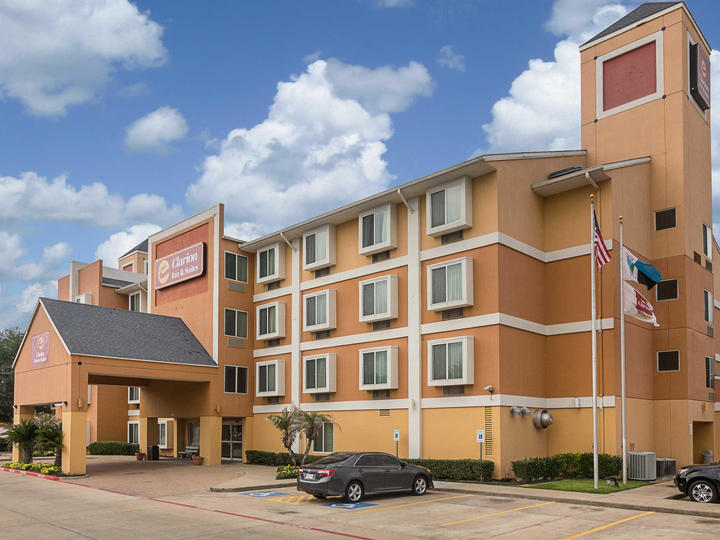 Clarion Inn And Suites West Chase