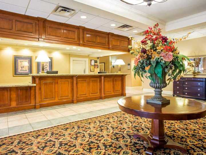 Clarion Inn And Suites Atlanta