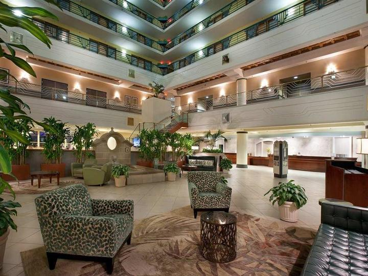 Embassy Suites by Hilton Indianapolis Downtown