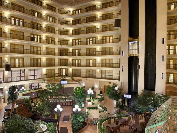 Embassy Suites by Hilton Indianapolis North