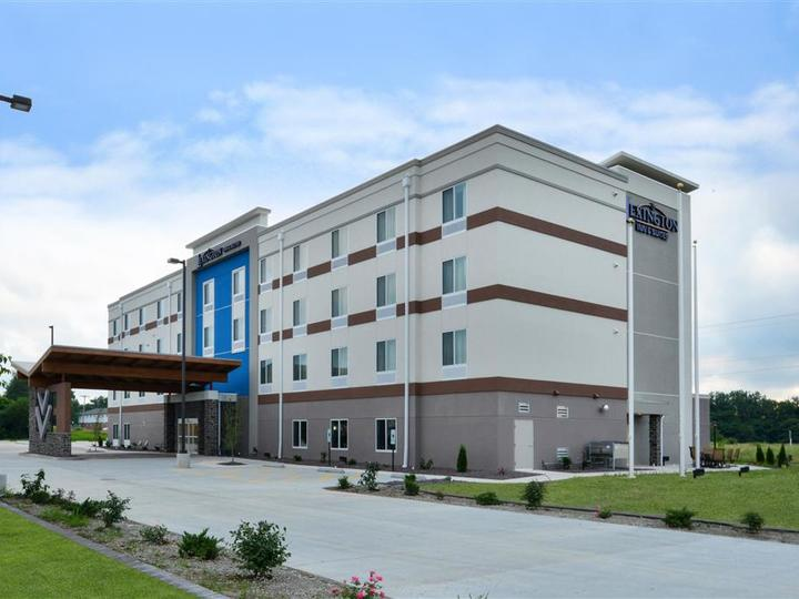 Lexington Inn and Suites Effingham