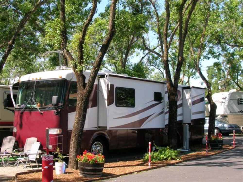 Lees Mobile Home RV Park